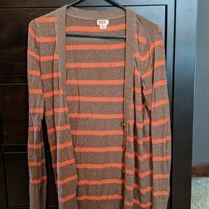 Long sleeve sweater/cardigan